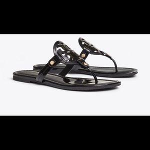 NIB TORY BURCH latent miller sandal